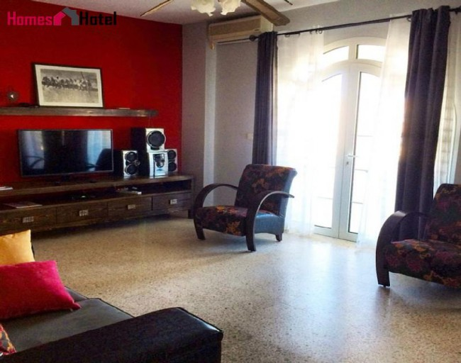 Residential flat 6-7 persons - House with character