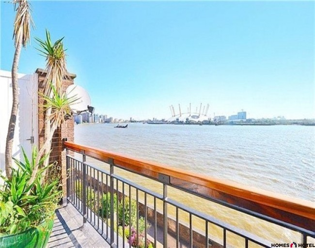 """Riverside""   4* Self Catering rental in Central London"