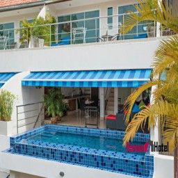 Cosy 3-Bedroom Duplex with Private Pool & only 70 meters from Beach